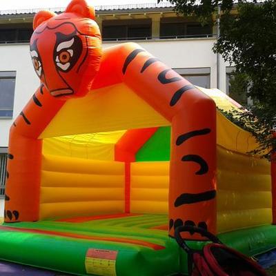 "Hüpfburg ""Tiger"""
